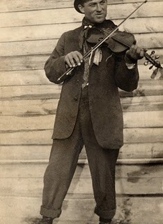 Old Vintage Photo – Man Playing the Violin