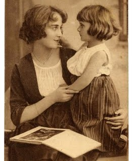 Vintage Clip Art – Mother and Daughter