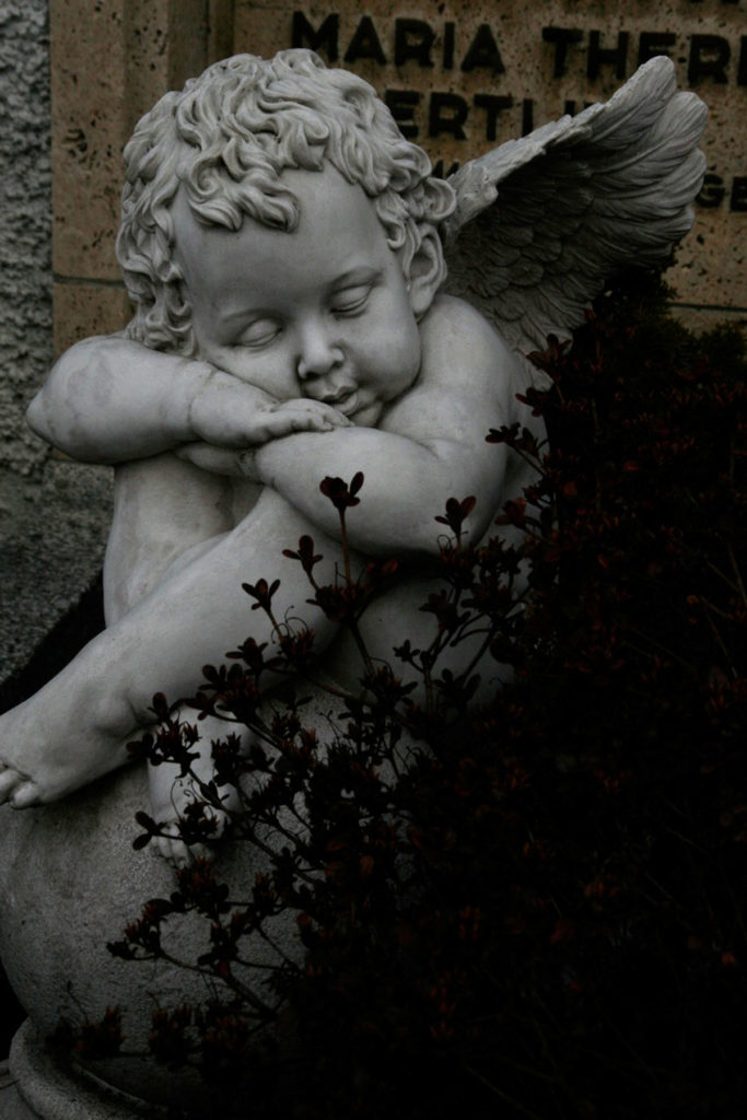Angel Statues Photo