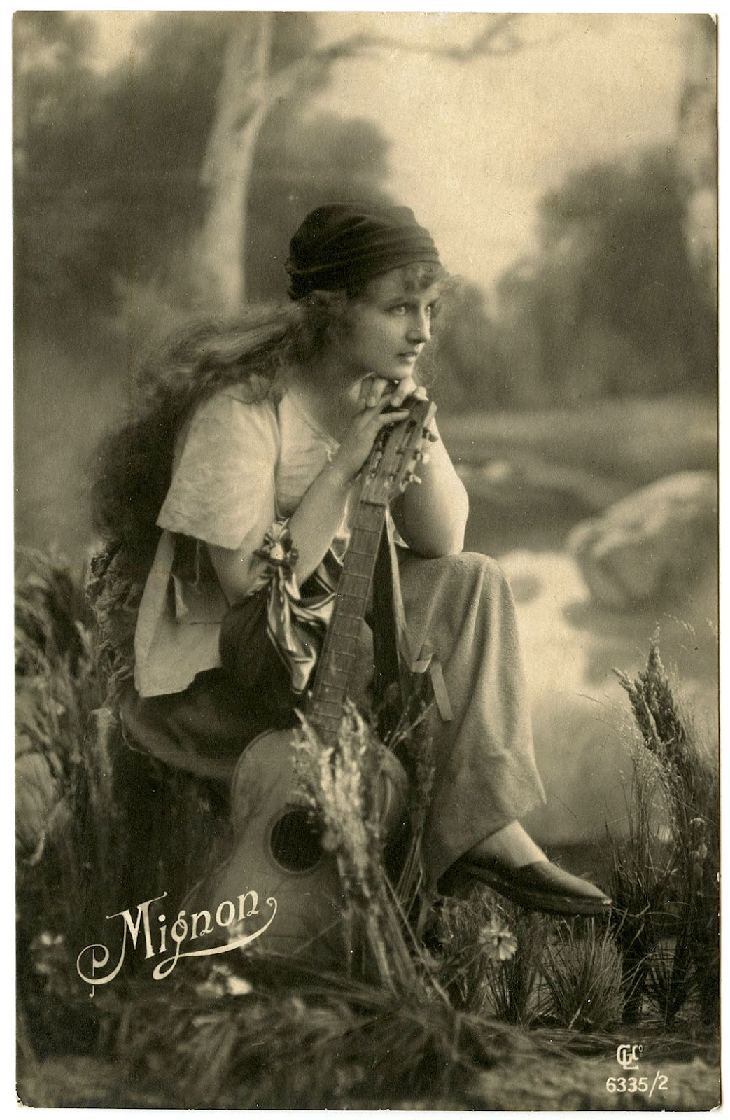 Old Photo - Beautiful Gypsy - The Graphics Fairy