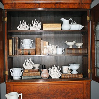 Collections – Styling my Shelves with Antiques