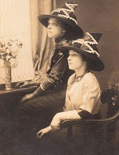 2 Young Ladies – Amazing Hats
