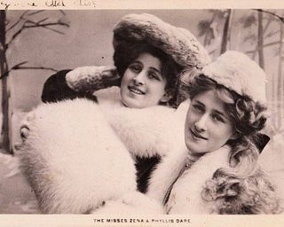 Old Photo – 2 Ladies in Fur