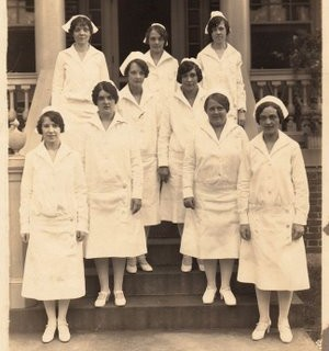 Old Photo – Nurses in Uniform