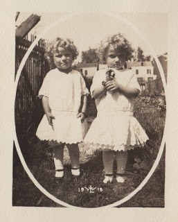 Old Photo – Cute Twins