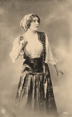 Old Photo - Pretty Young Gypsy Woman - Costume