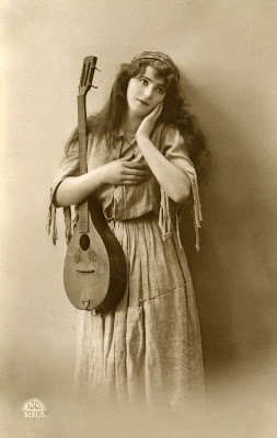 Old Photo - Pretty Gypsy