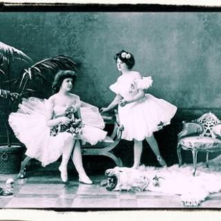 Free Vintage Clip Art – Romantic Ballerinas