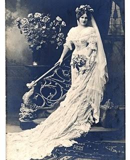 Old Antique Photo – Beautiful Bride