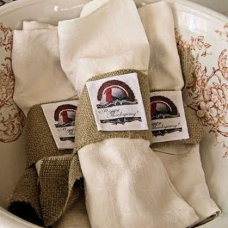 Craft Project – Thanksgiving Burlap Napkin Rings