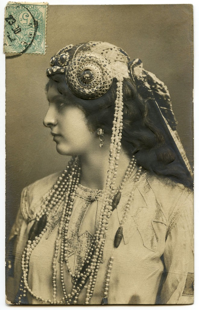 Old Photo Art Nouveau Lady Jewelry