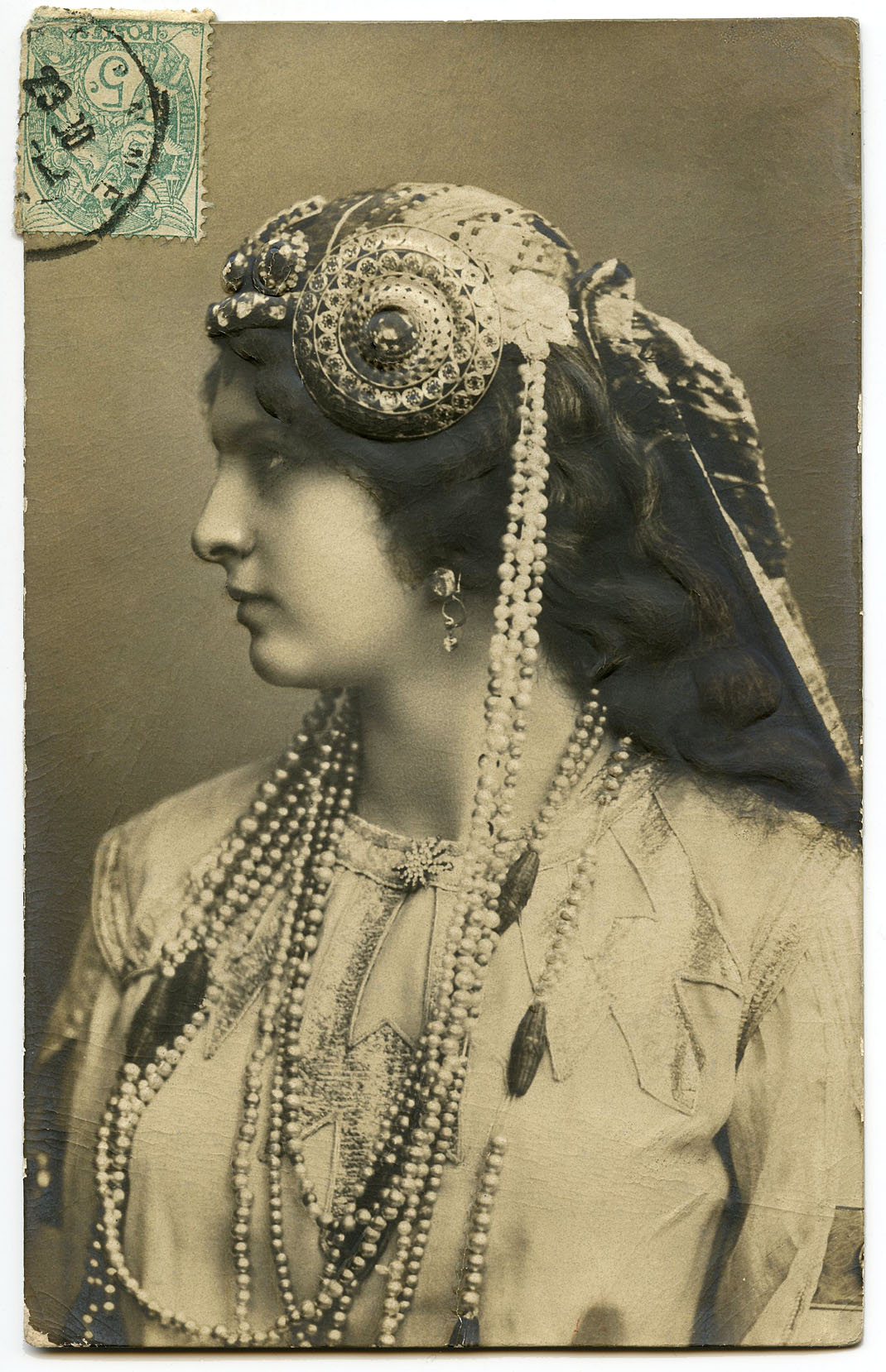 Old Photo Art Nouveau Lady Jewelry
