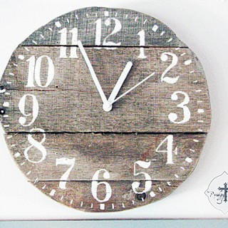 Pallet Wooden Clock DIY