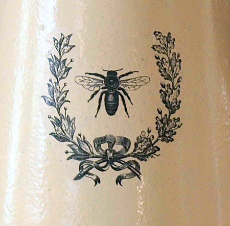 Enamel Pot Transfer with French Bee in Wreath Image