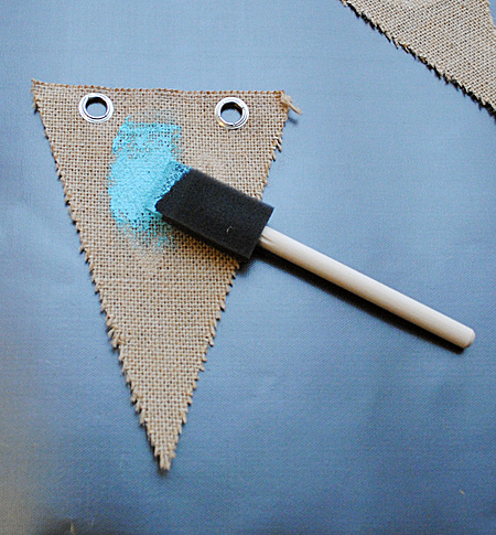 Make a Burlap Banner DIY