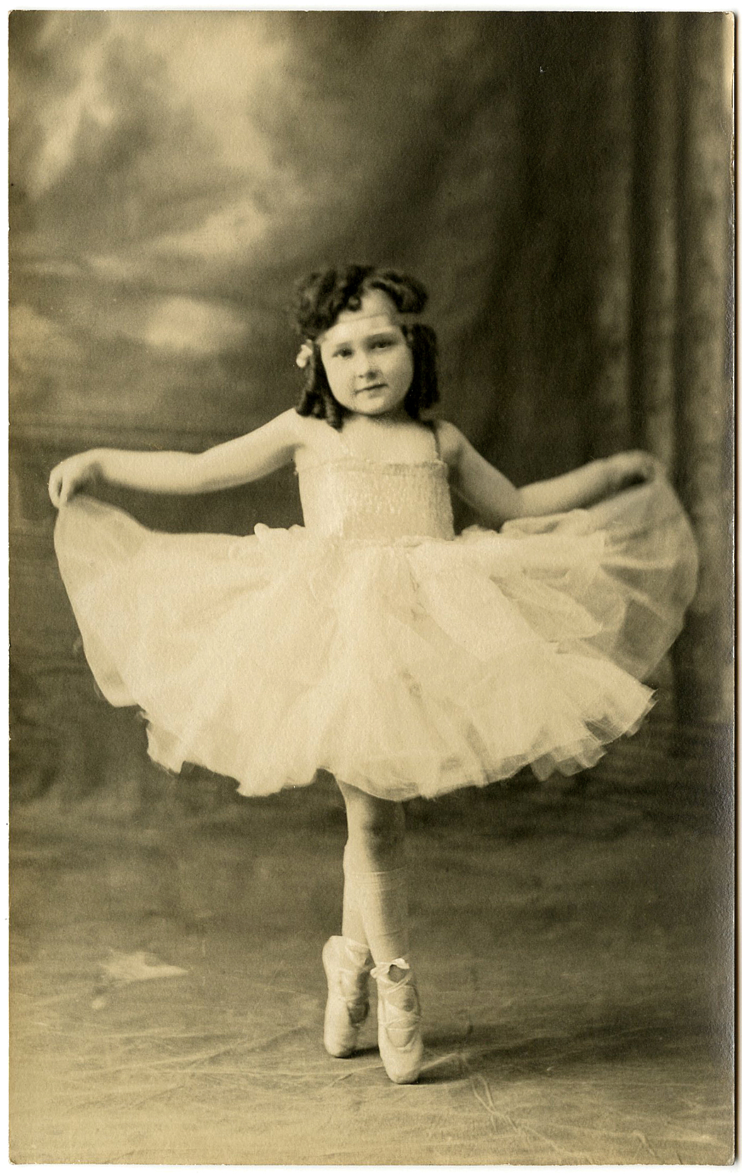Old Photo Ballerina Girl - The Graphics Fairy