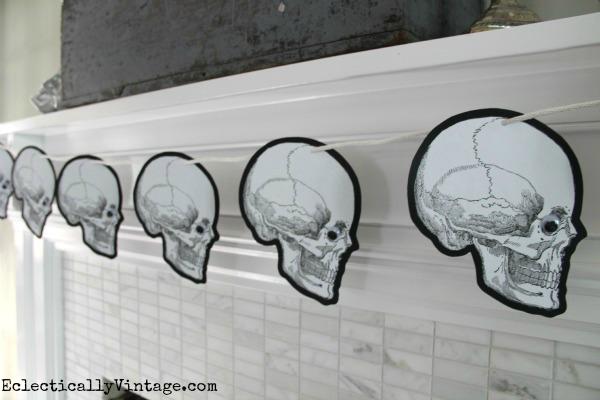 Halloween Skull Banner DIY