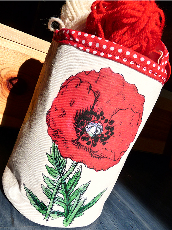 DIY Bucket Bag With Red Poppy