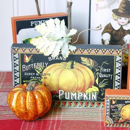 Happy Thanksgiving Sign//Decoration Vintage Sign