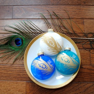 Easy Christmas Ideas – Painted Peacock Ornaments