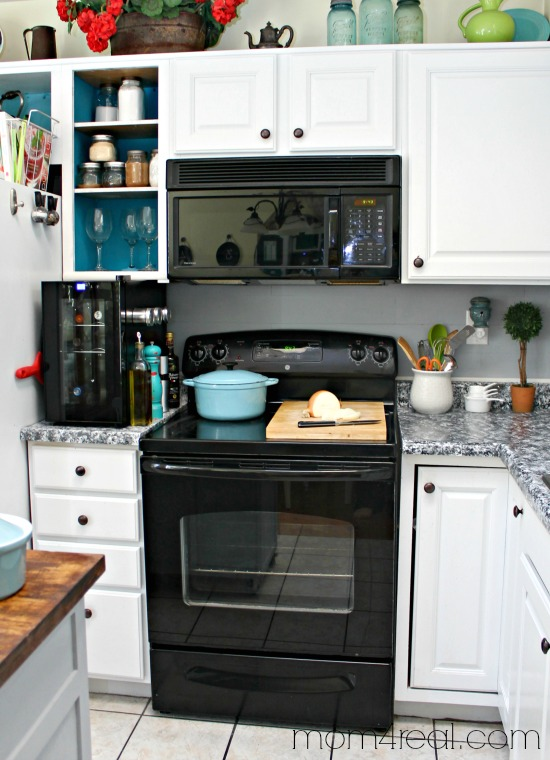Clean Your Oven From Top To Bottom