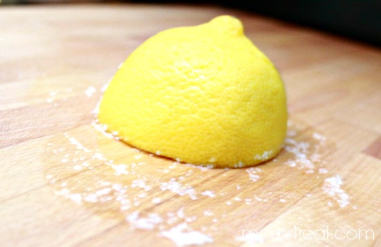 Clean Your Cutting Board With Lemon