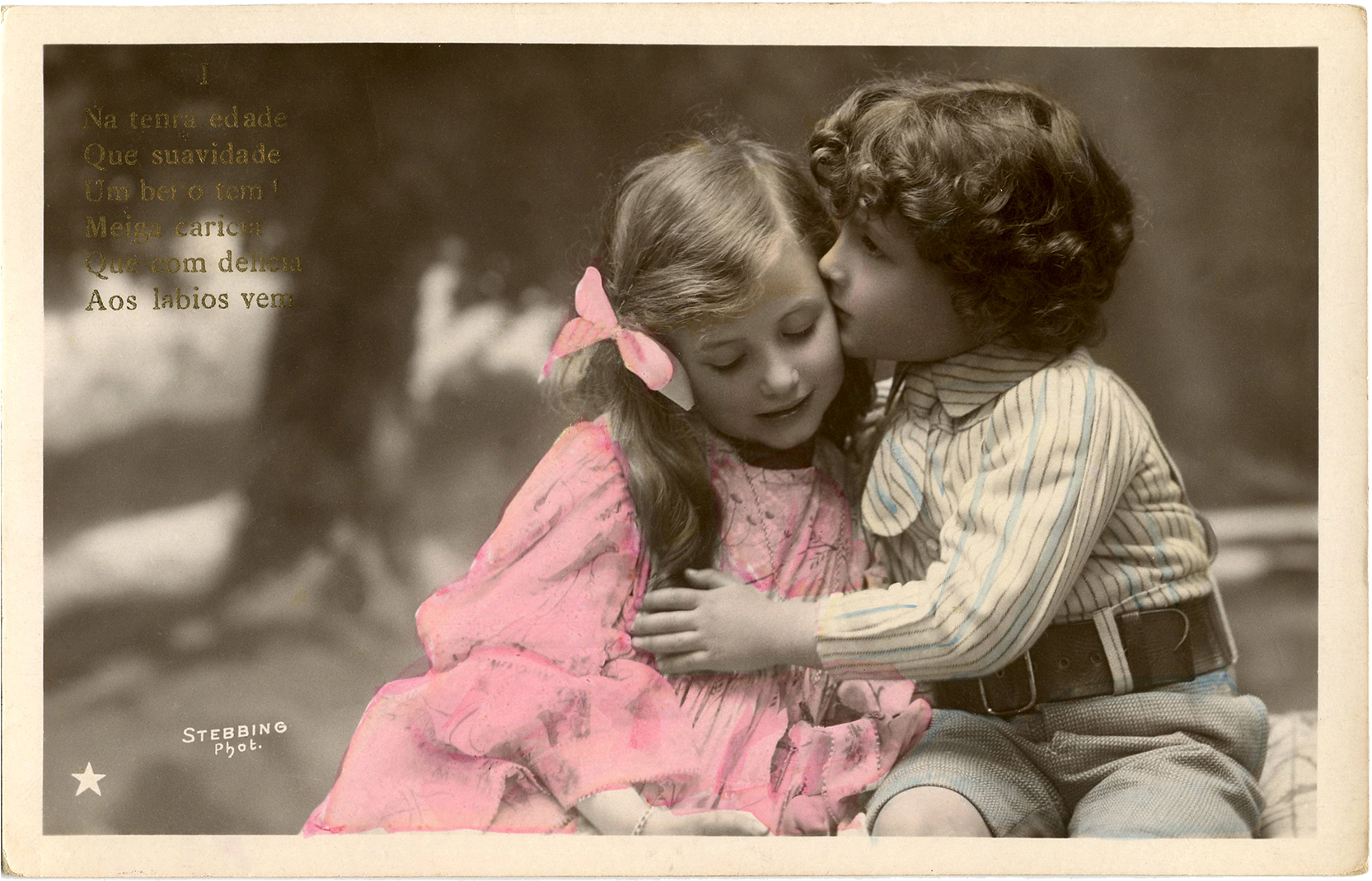 Sweet kiss image old photo the graphics fairy for Classic house french kiss