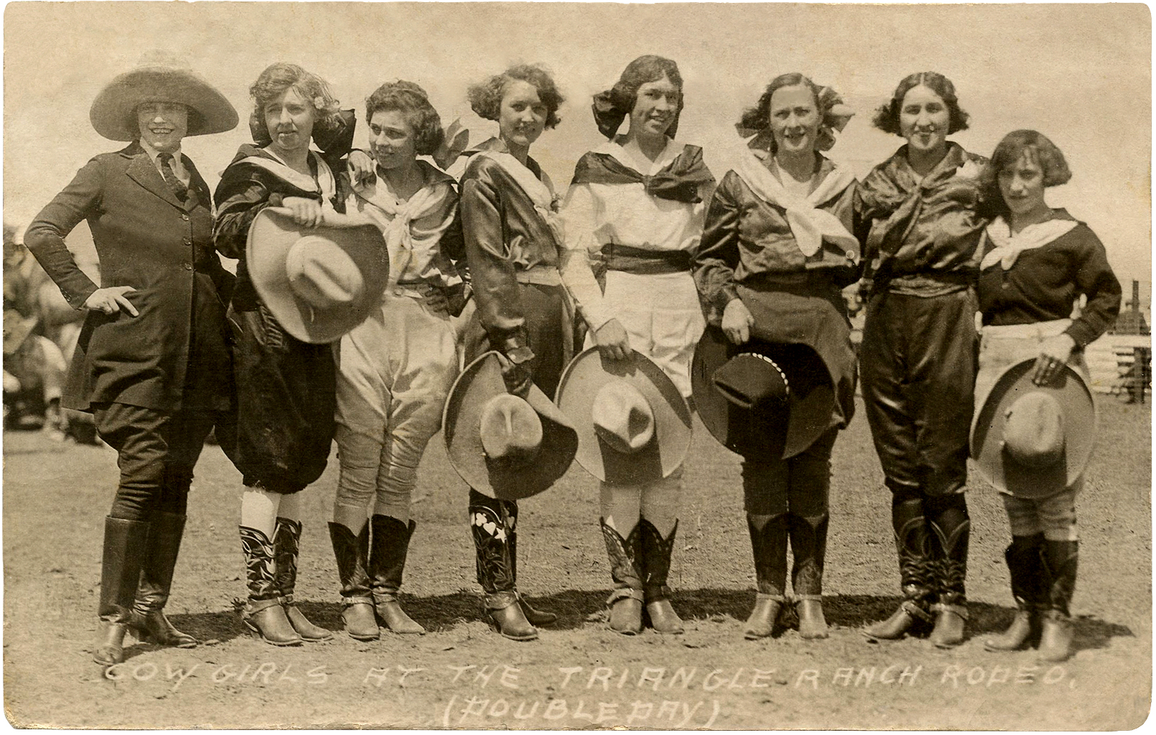 Amazing Vintage Cowgirls Photograph The Graphics Fairy
