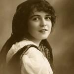 Vintage Gypsy Girl Image