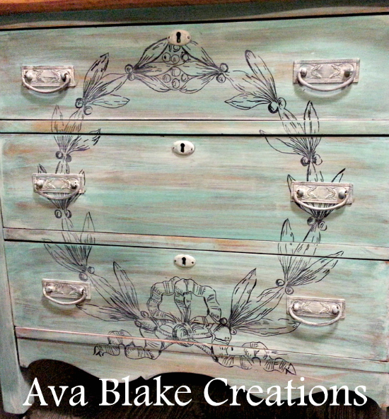 Beachy Painted Dresser with Wreath - Reader Featured Project