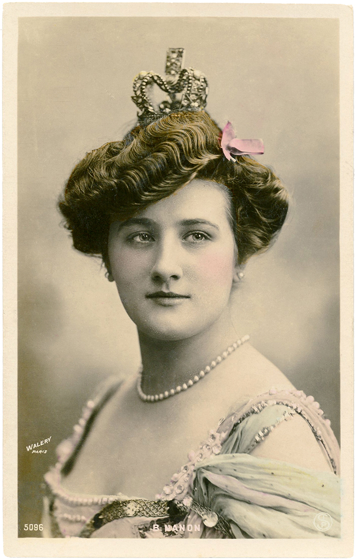 Vintage Lady with Crown Photo - The Graphics Fairy
