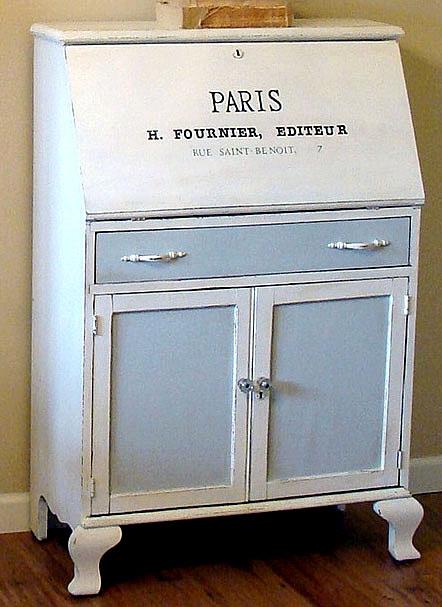 Paris+Desk211