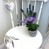 Lavender_Chair_100dpi_550w