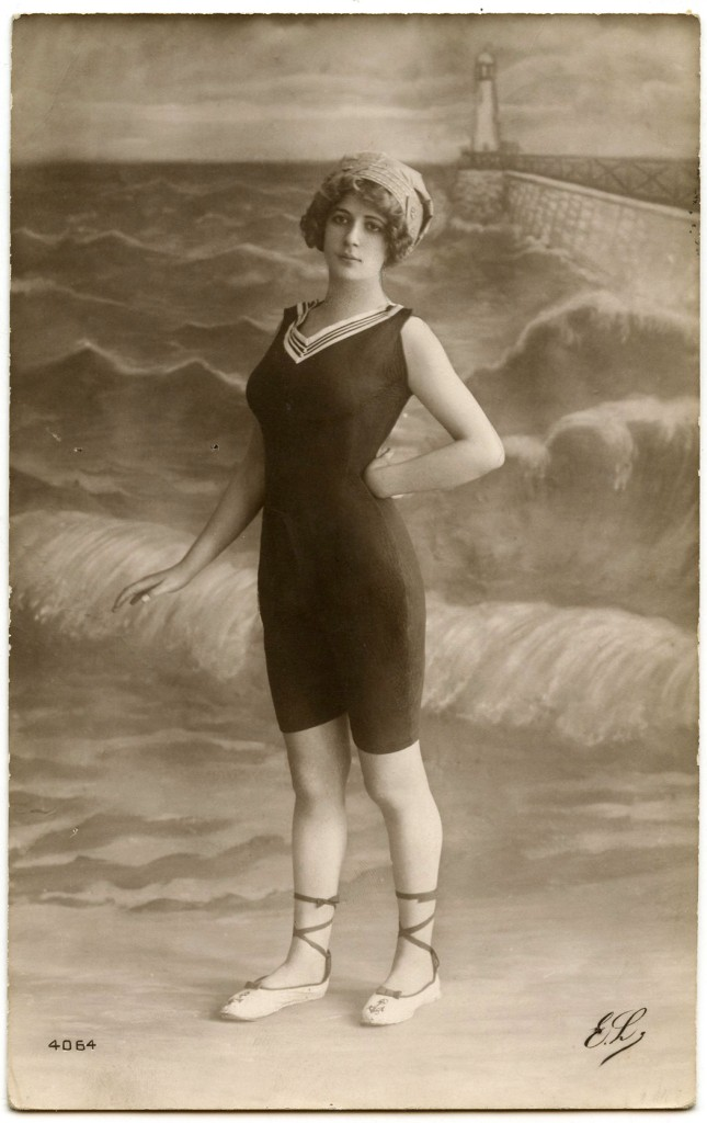 Old Photo - Cute Bathing Beauty - The Graphics Fairy