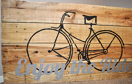 Vintage Bicycle Pallet Art - Reader Featured Project