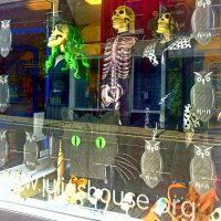 Halloween-window_100dpi_550w (1)