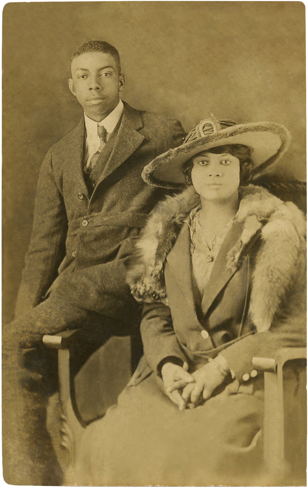 African American Living Room Apartment Decor: Old Photo African American Couple!
