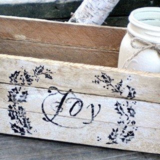 Rustic Christmas Centerpiece – Reader Featured Project