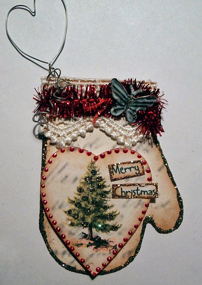 06 - Scrappy Dayz - Paper Mitten Ornament