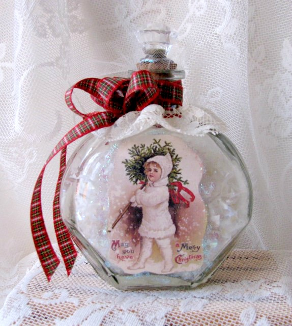 Handmade Christmas Decor From An Upcycled Bottle