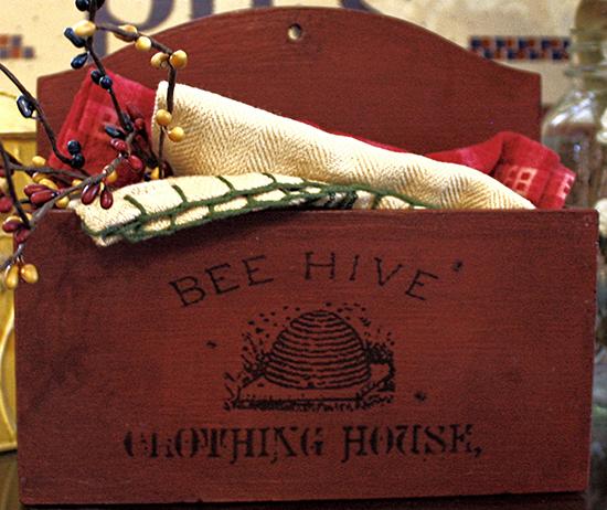 08 - The Black Sheep Shop - Beehive Box