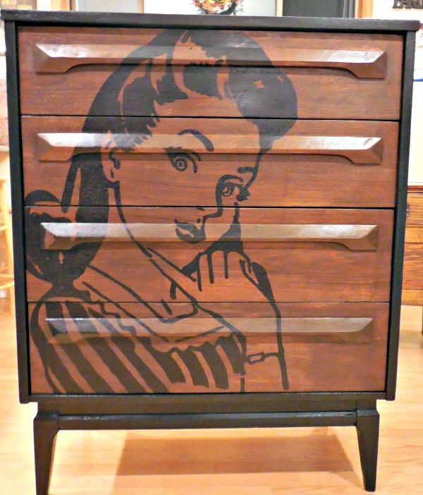 08 - DIY Funky Retro Gal Dresser