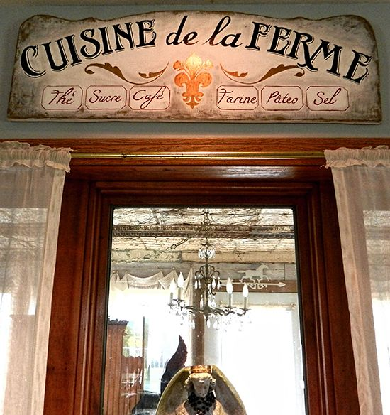 17 - French Dining Sign