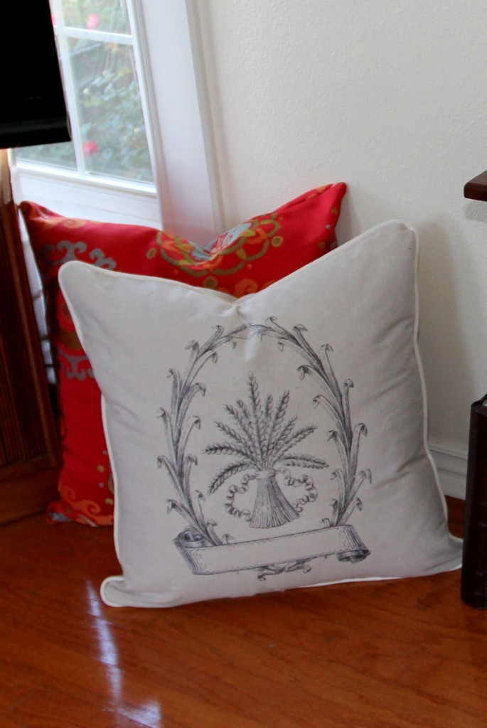06 - Beckwith's Treasures - DIY Floor Pillow