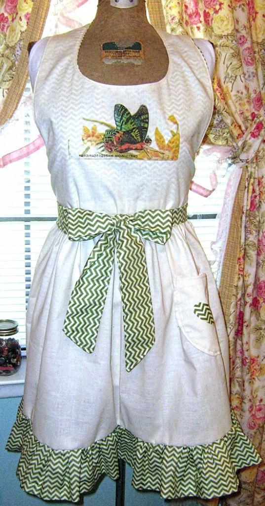 12 - Patchwork Chic - DIY Vintage Apron