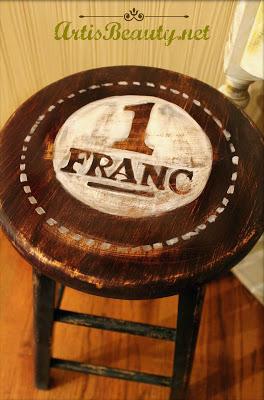 01 - Art is Beauty - French Franc Stool