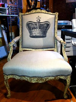 06 - Chris Champagne - Crown Chair