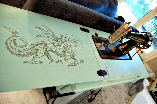 09 - Coop Crafts - Hand Painted Sewing Machine