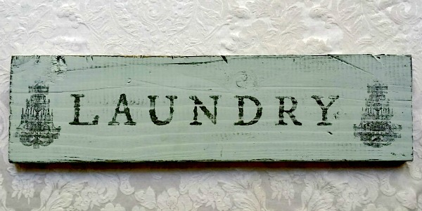 Old Laundry Signs Glamorous Diy Laundry Wood Sign  Reader Feature  The Graphics Fairy Inspiration