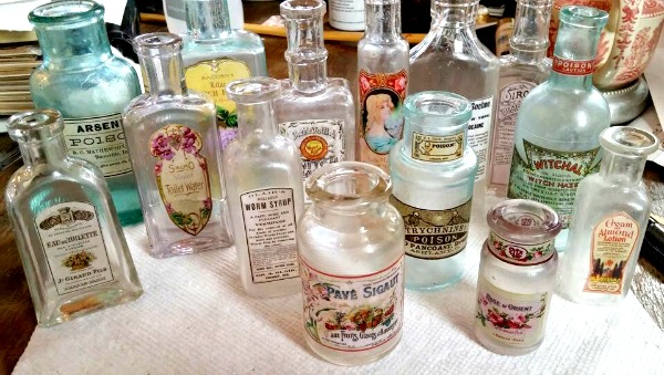Favorite DIY Antique Apothecary Jars - Reader Feature - The Graphics Fairy CI41